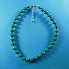 P240 Faux malachite bead necklace
