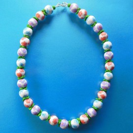 S229 flowery bead necklace