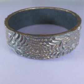 P292 metallic style bangle