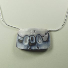 S378 silver patterned square pendant